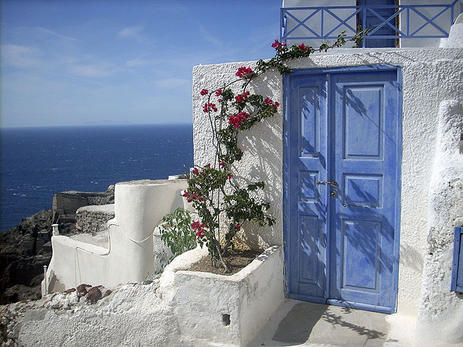 Resultado de imagem para vilarejo na beira do mar na grécia