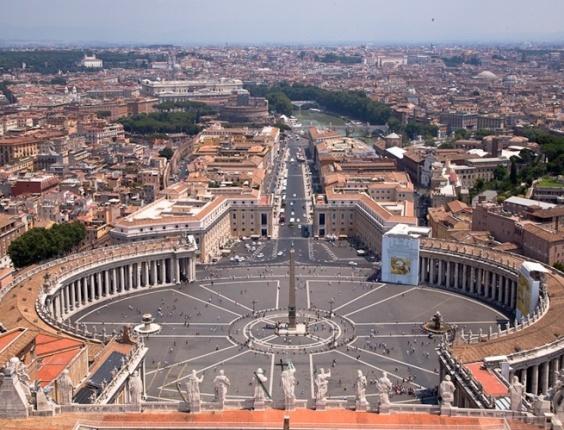 Vista do o domo da basílica de São Pedro, no Vaticano