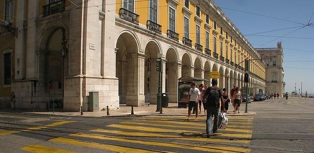 Faixa de pedestre na região da Praça do Comércio, em Lisboa