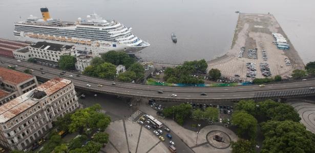 Terminal de passageiros no porto do RJ: reforma prevista para terminar em 2016