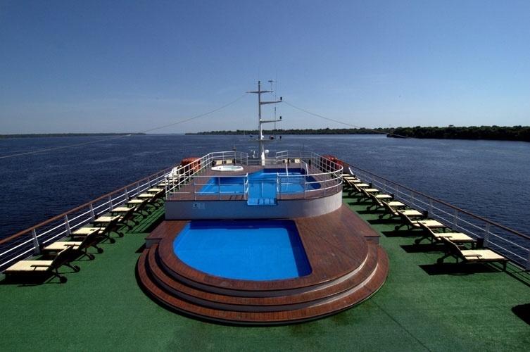 Navio de luxo ser hotel flutuante durante a copa fotos for Amazon piscinas