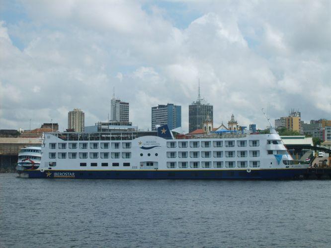 Barco-hotel de luxo