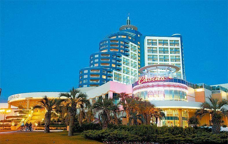 Resort Conrad