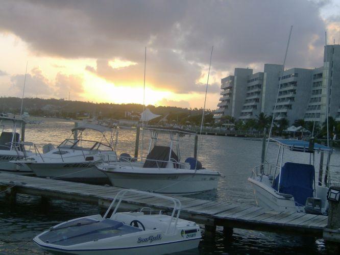 Pôr-do-sol na marina