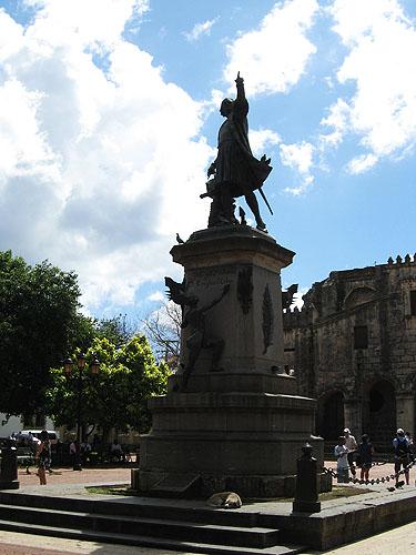 Estátua de Colombo