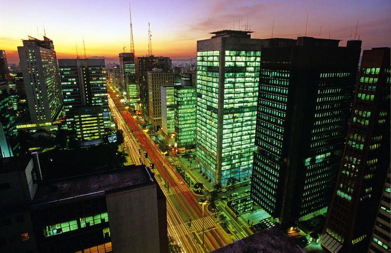 Avenida Paulista no sentido Consolação