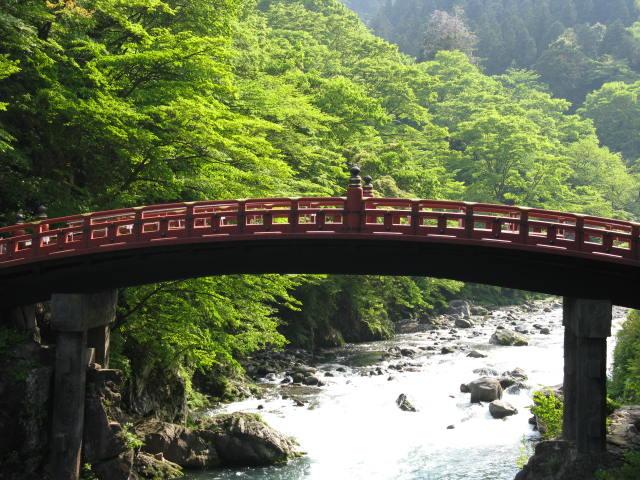 Ponte sobre o rio, em Nikko