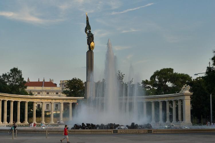 Praça Schwarzenbergplatz