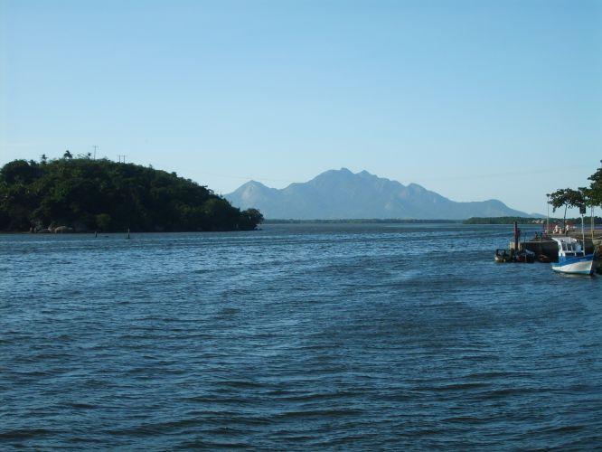 Passeio de barco aos manguezais