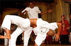 Apresentação de capoeira no Mercado Modelo, em Salvador