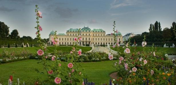 """O palácio Oberes Belvedere em Viena expõe obras de arte austríaca desde a Idade Média. O maior destaque de seu acervo são as obras de Gustav Klimt """"O Beijo"""" e """"Judith"""" - Luciana Rocha/UOL"""