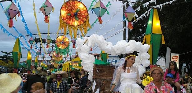 Casamento na Roça é atração do Arraiá da Tapera, em Senhor do Bonfim (foto de 2009)