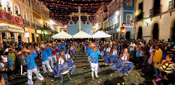 Este ano, as quadrilhas vão se apresentar na Praça Municipal de Salvador (foto de 2009)