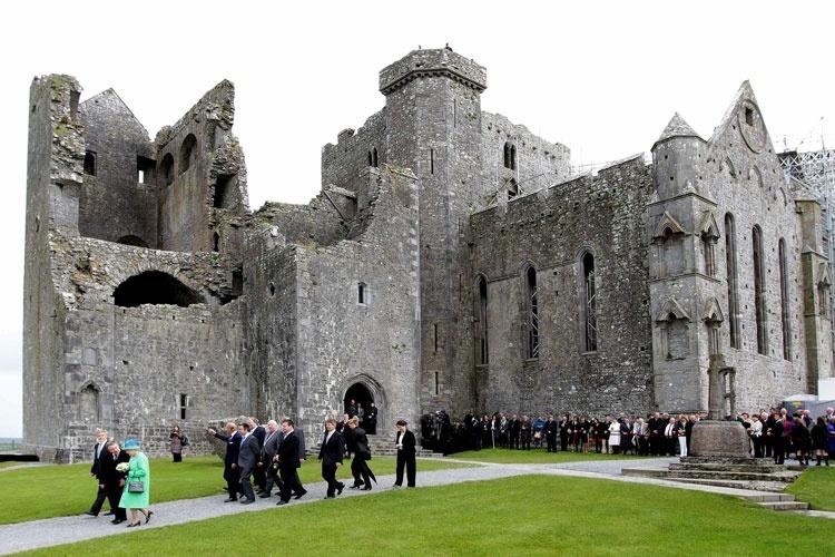 Vista do St Patrick's Rock, em Cashel, na Irlanda, um dos locais visitados pela rainha Elizabeth durante sua viagem à Irlanda (20/05/2011)
