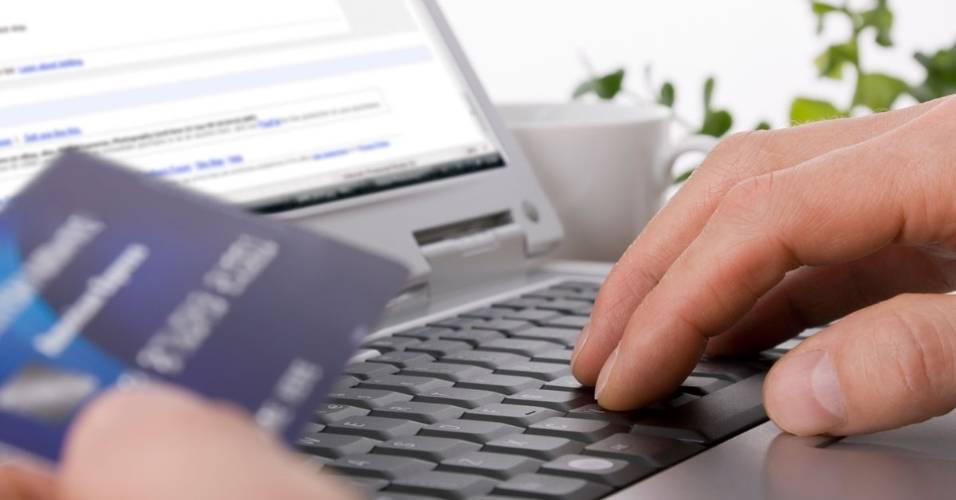 Compra feira pela internet, em site de compra coletiva