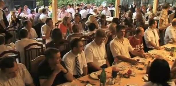 Plano do prefeito Dragan Markovic foi lançado com um jantar de apresentação - BBC