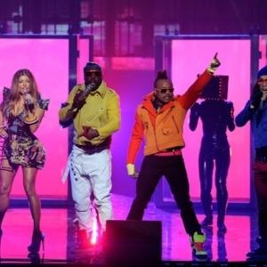 """A banda Black Eyed Peas, que teria inspirado o livro """"Cinquenta Tons de Cinza"""" - Reprodução/L""""Concierge"""